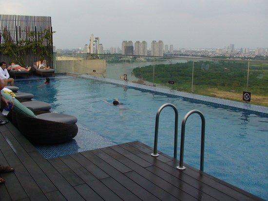 Piscina picture of liberty central saigon riverside - Liberty piscina cagliari ...
