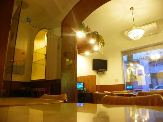 Hotel Mediterraneo: Vista del Lobby