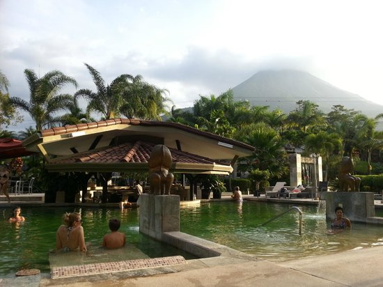The Royal Corin Thermal Water Spa & Resort: poll area with volcano