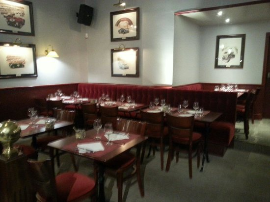 L'Imprevu Les Brasseries Gourmandes : Salle de restaurant