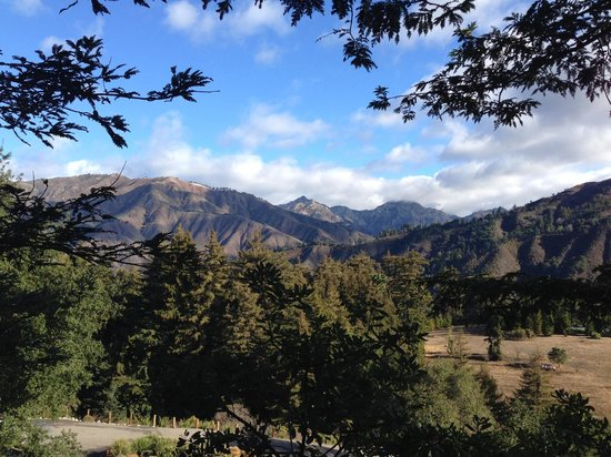 Post Ranch Inn : Hiking the grounds