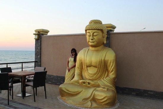 Mar Le Mar Club: Buddha Beach