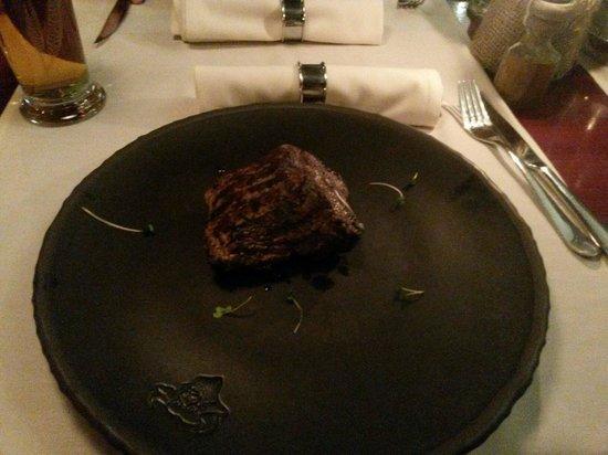 Steiku Haoss: Number 1 fillet steak 260g