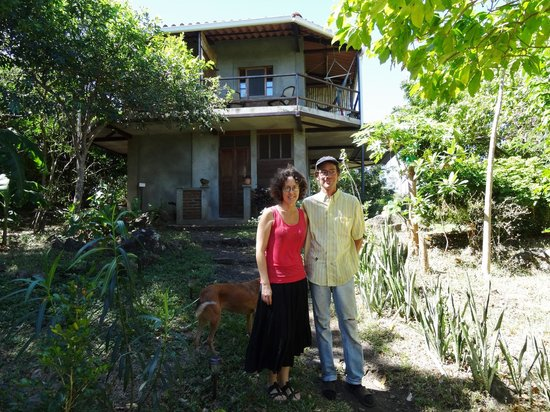 La Via Verde - Organic Farm and B&B: Eileen & Darrn