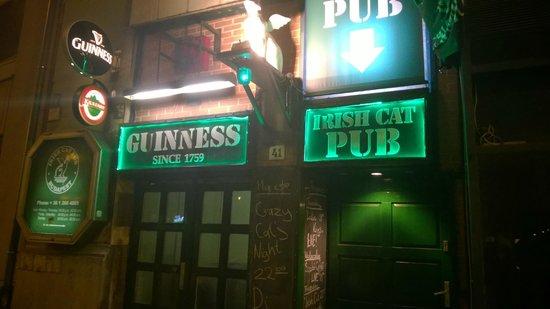 Irish Cat Pub: Front