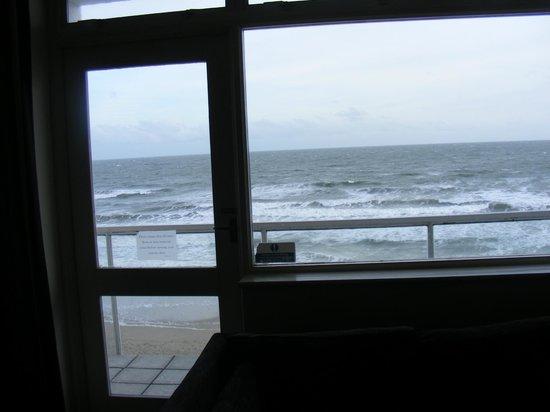 Sandbanks Hotel: Balcony view from bedroom