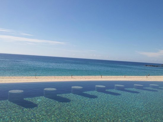 Marquis Los Cabos All-Inclusive Resort & Spa: View of Infinity pool and beach area from my chair
