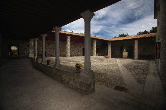 Rectoral de Castillon: PATIO