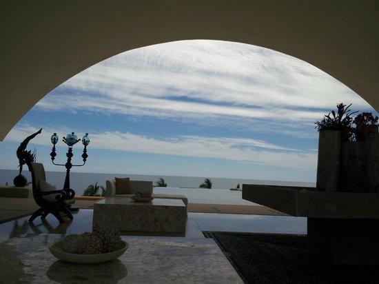 Marquis Los Cabos All-Inclusive Resort & Spa: View at Reception desk when we left