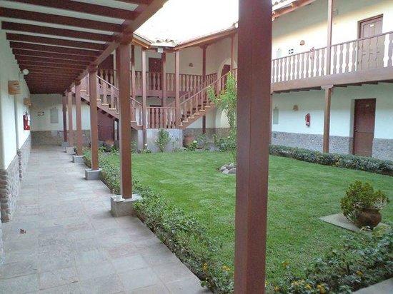 San Agustin Urubamba Hotel: uno de los patios