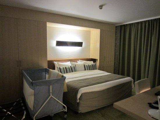 Hilton Helsinki Airport: Bedroom