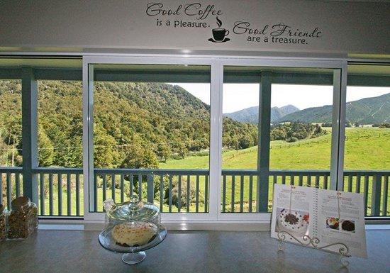 Pelorus River Views Bed & Breakfast: getlstd_property_photo