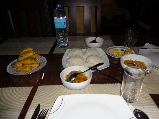 Hanthana Holiday Rooms - Breakfast