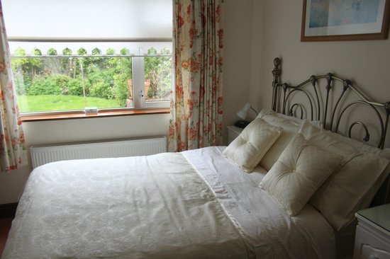 Marless House Bed & Breakfast: Downstairs bedroom