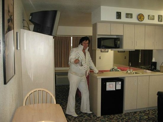 Happy Days Hotel: Elvis in Deluxe Suite