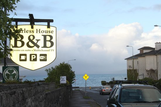 Marless House Bed & Breakfast: Distance to ocean