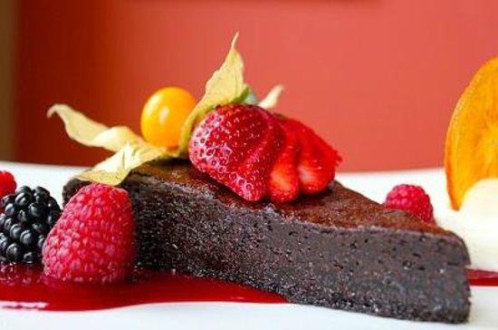 Nectar Restaurant and Wine Bar: Decadent Chocolate Cake