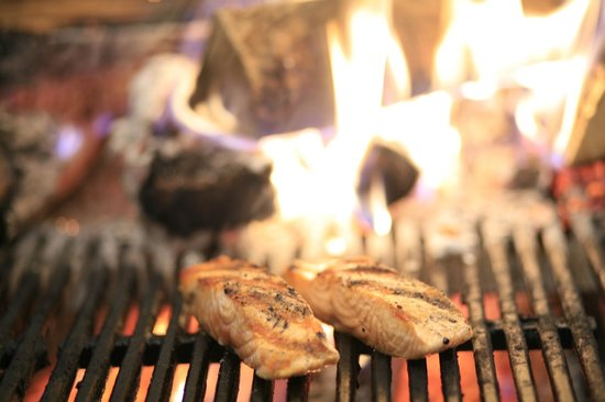 Trezo Mare: Fresh Wood-Fired Grilled Seafood