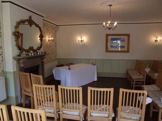 Bentley Brook Inn: Ceremony room