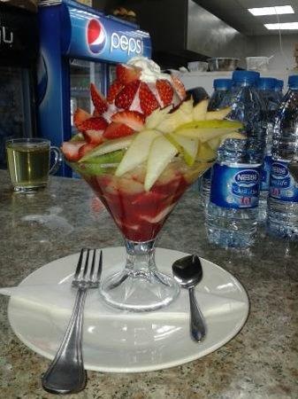 Papaya Restaurant & Cafe: fruit salad