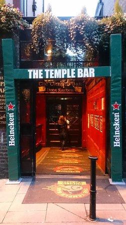 Temple Bar: H
