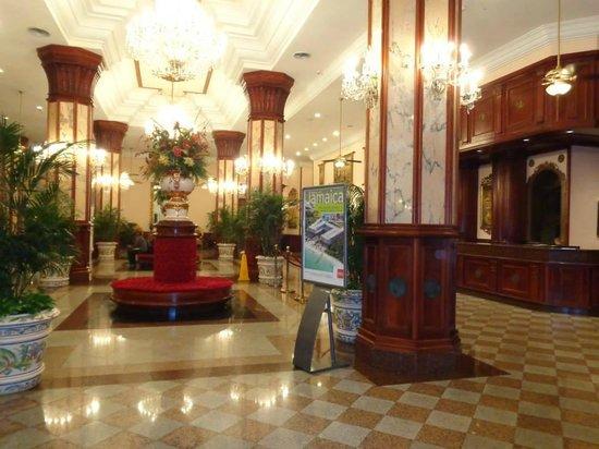 Hotel Riu Palace Paradise Island: Entrance