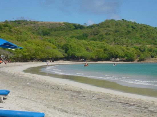 Cotton Bay Village : Cas en bas beach