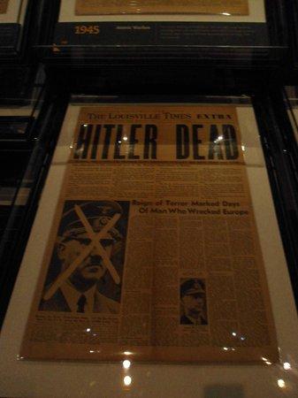 Newseum : Journal paru lors de la mort d'Hitler