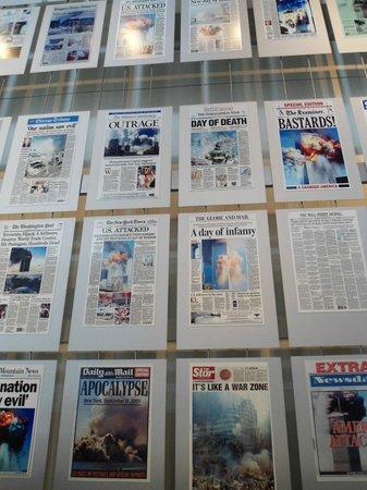 Newseum : Unes de journaux du monde entier le 11 septembre 2001