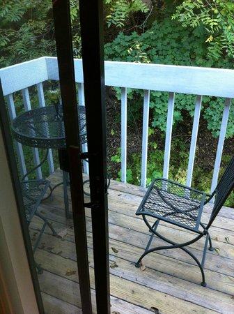 Cornell Inn Lenox: The balcony of 'Frances'.