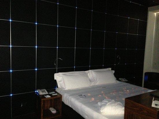 UNA Hotel Vittoria : fibre ottiche accese