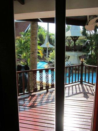 Coco Palace Resort : utsikt från rummet, Villa Coconut