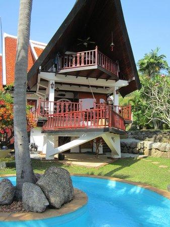 Coco Palace Resort: Husen