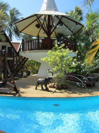Coco Palace Resort : Utsikt från rummet