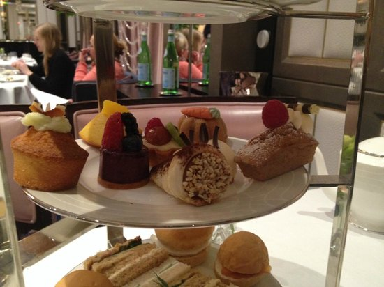 The Wellesley Afternoon Tea: The pastries