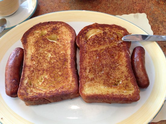 Metro 29 Diner: French Toast with sausage