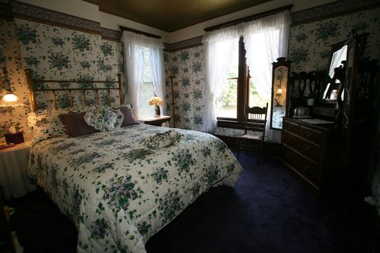 Old Consulate Inn: Parkside Room