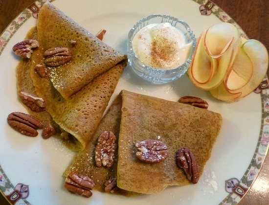 The Inn at Solvang: pumpkin crepes