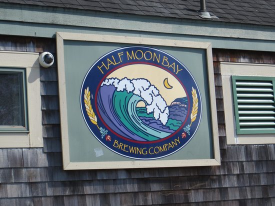Half Moon Bay Brewing Company: sign