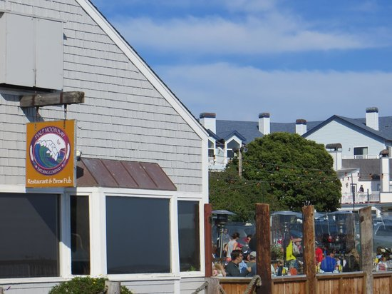 Half Moon Bay Brewing Company: exterior