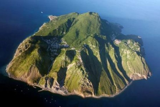 Juliana S Hotel Saba Island From 800ft Image By Larry Every