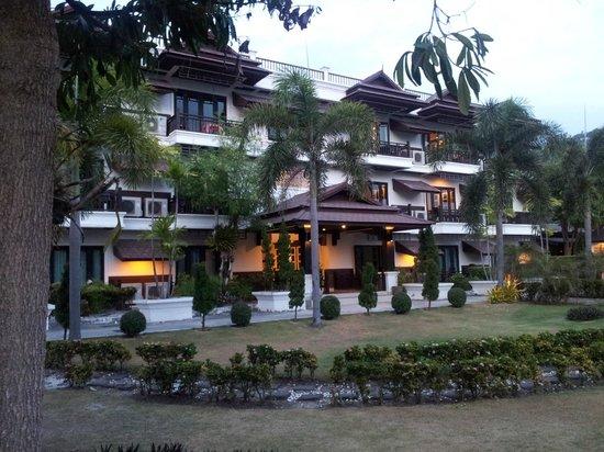 """Phi Phi Andaman Legacy: Structure en """"dur"""" de ce resort"""