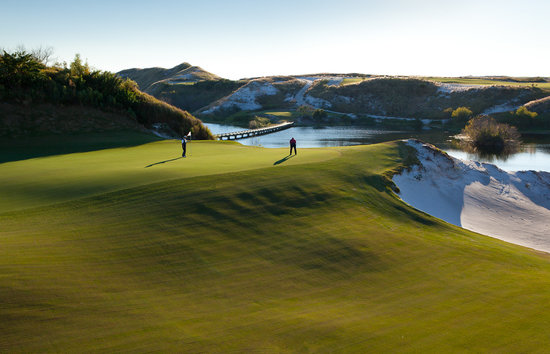 Streamsong Golf Clubhouse: Streamsong Red 16