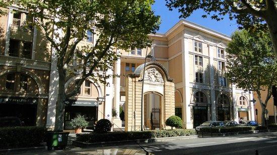 Appart'Hôtel Odalys L'Atrium: Bem localizado e apto grande