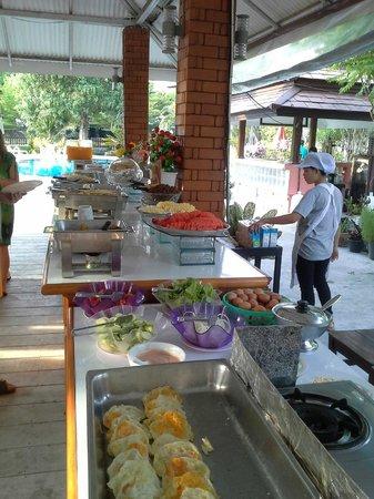 Phi Phi Andaman Legacy: le petit déjeuner en plein air