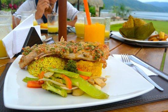 El Sauce Resort : muy buena la presentación, calidad y sabor de las comidas típicas de la región.