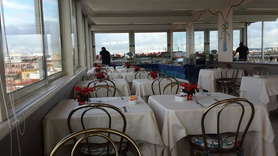 Marcella Royal Hotel: The gorgeous views over breakfast