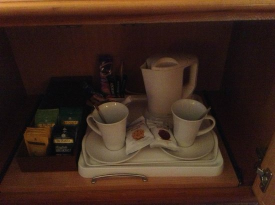 Rose and Crown : Tea & Coffee in the Cupboard