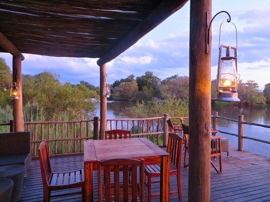 Sanctuary Sussi & Chuma: Overlooking Zambezi River