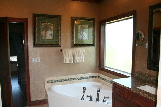 Villages of Crystal Beach: Master bathroom